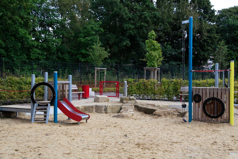 Naumann_Landschaft_Spielplatz_Eidelstedter_Weg_31 Naumann – Landschaft