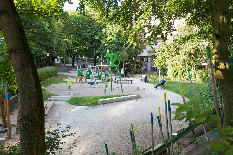 Naumann-Landschaft-Spielplatz-Pepermoelenbek-Ueberblick Naumann – Landschaft