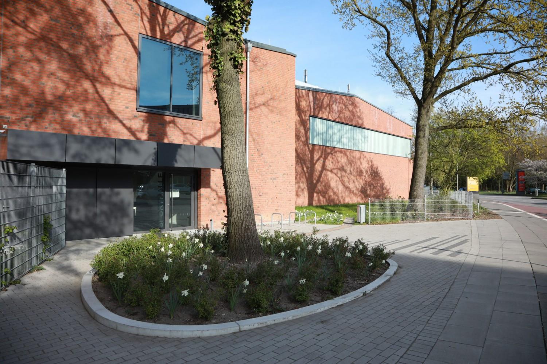 Naumann-Landschaft-Schule-Rellinger-Strasse-Eingangsbereich Naumann – Landschaft