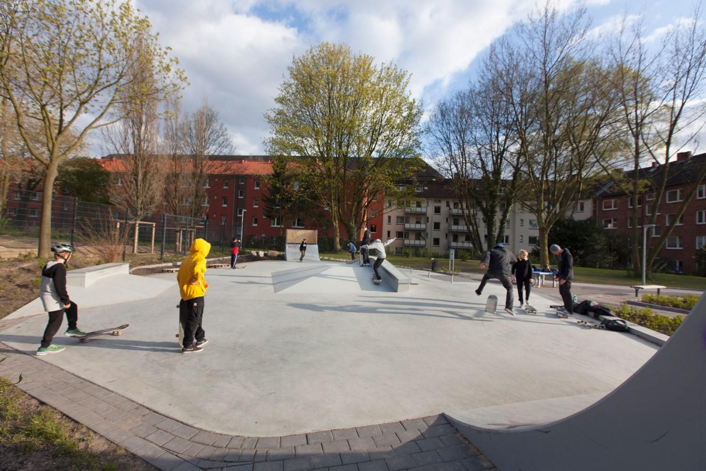 Naumann-Landschaft-Spielplatz-Eidelstedter-Weg-Skatepark-2 Naumann – Landschaft