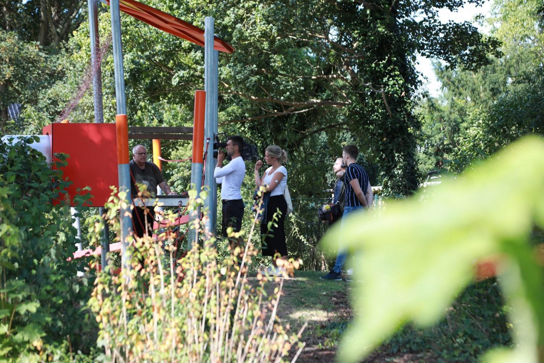 Naumann-Landschaft-Spielplatz-Auf-der-Kuppe-Fernsehbeitrag-3 Naumann – Landschaft