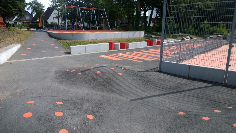 Naumann-Landschaft-Spielplatz-Auf-der-Kuppe-Rollsport Naumann – Landschaft