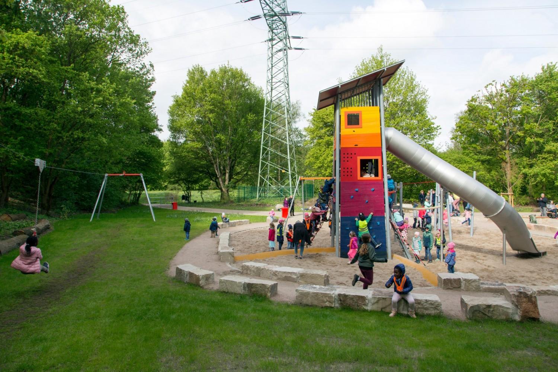 Naumann-Landschaft-Spielplatz-Im-Wiesengrund-11 Naumann – Landschaft
