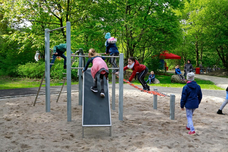 Naumann-Landschaft-Spielplatz-Im-Wiesengrund-12 Naumann – Landschaft
