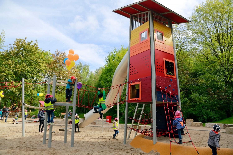 Naumann-Landschaft-Spielplatz-Im-Wiesengrund-14 Naumann – Landschaft